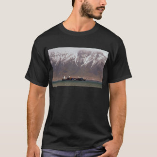 CRUISE SHIPS around SNOW MOUNTAINS America T-Shirt