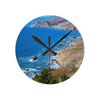 Cruisin The Coast Round Clock