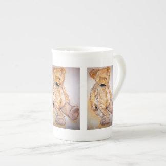 Cuddle sulk tea cup