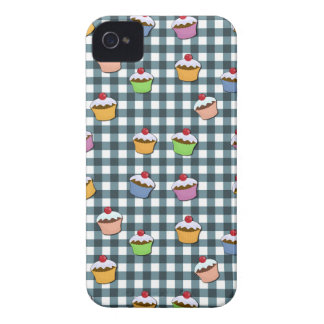 Cupcakes plaid pattern iPhone 4 Case-Mate cases
