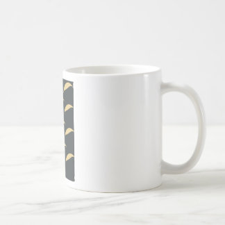 curve pattern coffee mug