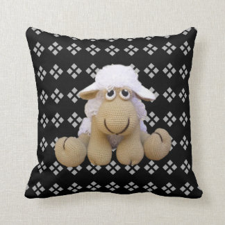 Cushion ewe of crochet and geometric drawings