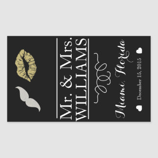 custom Wedding wine bottle label table centre lips