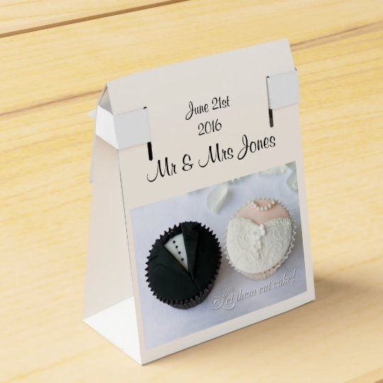 Customizable wedding party favour box