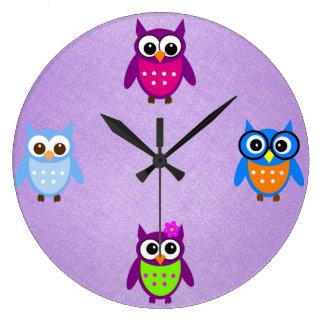 Cute and Trendy Owl Clock