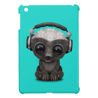 Cute Baby Honey Badger Dj Wearing Headphones iPad Mini Case