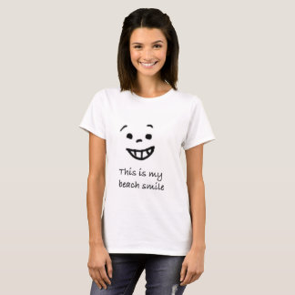 Cute Beach Lover Smile Doodle Face Typography T-Shirt