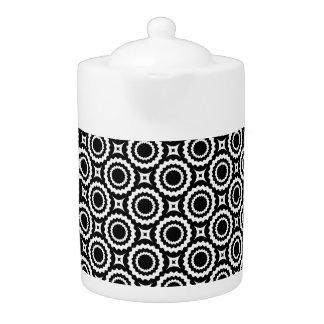 Cute black white zigzag circles design