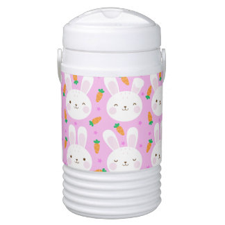Cute cartoon bunnies and carrots on pink pattern drinks cooler