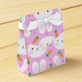 Cute cartoon bunnies and carrots on pink pattern favor box
