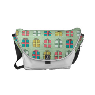 Cute Christmas Presents Pattern Commuter Bags