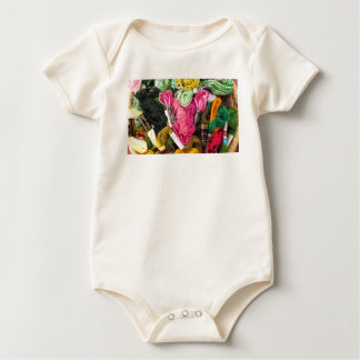 Cute colorful bright pink  embroidery heart baby bodysuit