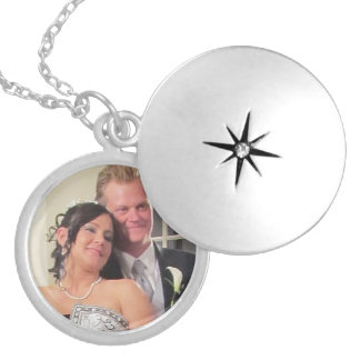 Cute Couple in Silver Round Locket