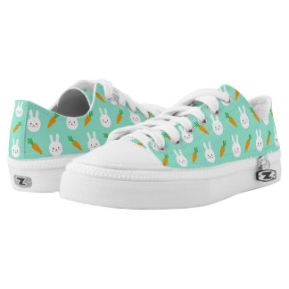 Cute easter bunny and carrots on aqua pattern Low-Top sneakers