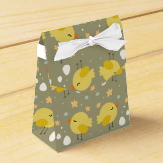 Cute easter chicks and little eggs pattern favor box