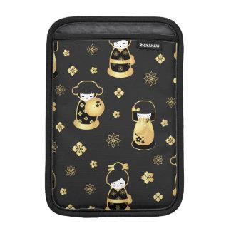 Cute elegant black gold Japanese dolls and flowers iPad Mini Sleeve