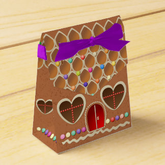 Cute Gingerbread House With Heart Shaped Windows Favor Box