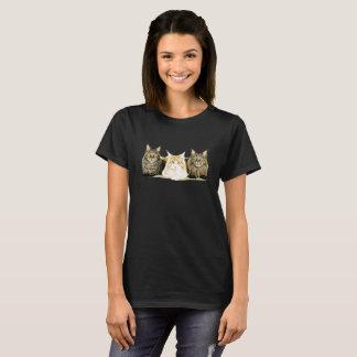 Cute Maine Coon Cats Kittens Modern Art T-Shirt