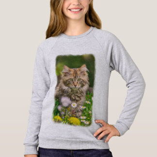 Cute Maine Coon Kitten Cat in Flower Meadow - cozy Sweatshirt