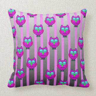 Cute owls seamless  pattern throw pillow
