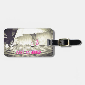 Cute Pink Shoes Just Married Luggage Tag