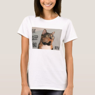 Cute Shirt for Cat Lover / Bookworm!