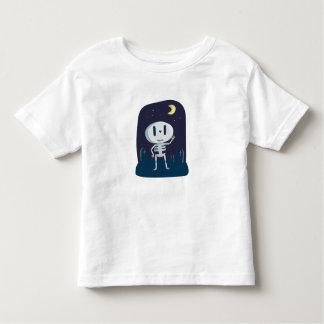 Cute skeleton waving graveyard toddler t-shirt