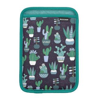 Cute sketchy illustration of cactus pattern iPad mini sleeve