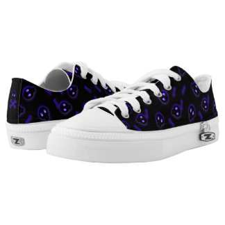 Cute Skull and Crossbones Low-Top Sneakers