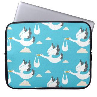 Cute Storks carrying babies pattern Laptop Sleeve