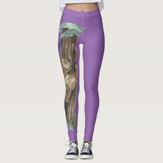 Cute Tree Hugger Bear Outdoor Scene Designed Leggings
