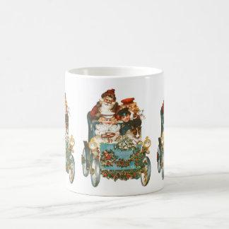 Cute Vintage Car | Santa Claus Christmas Coffee Mug
