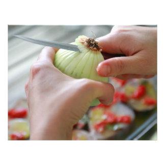 Cutting an onion flyer