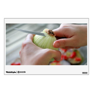 Cutting an onion wall sticker