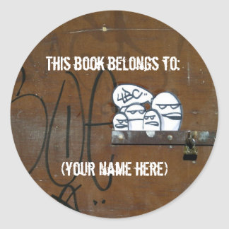 Cynical readers classic round sticker