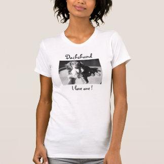 Dachshund, I love one ! T Shirt