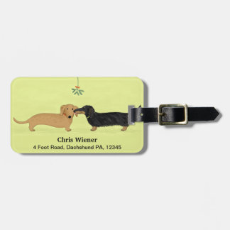 Dachshund Mistletoe Kiss - Wiener Dog Christmas Luggage Tag