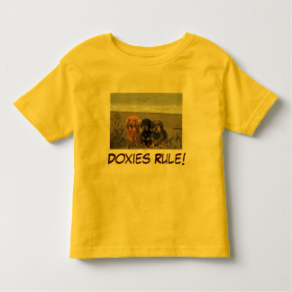 Dachshunds Rule Toddler T-Shirt On Beach
