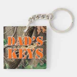 "'Dad's Keys"" keychain"