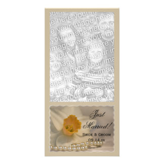 Daffodil and Pearls Just Married Photo Card