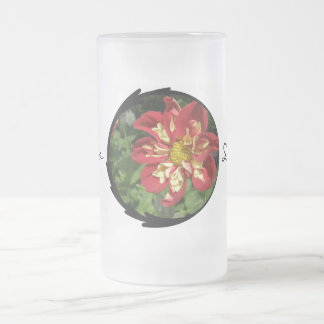 Dahlias rouges mug en verre givré