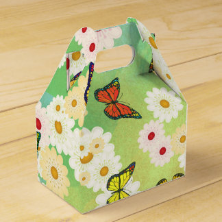 Daisies and butterflies favor box