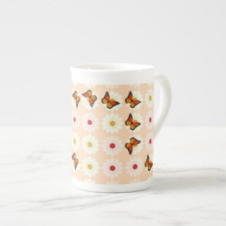 Daisies and butterflies tea cup