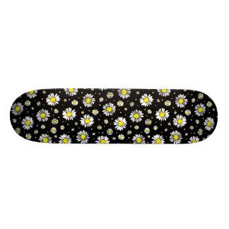 Daisies On Black - Skateboard