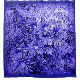DAISY COMPOSITION IN ROYAL BLUE