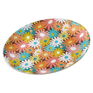 Daisy covered porcelain plates