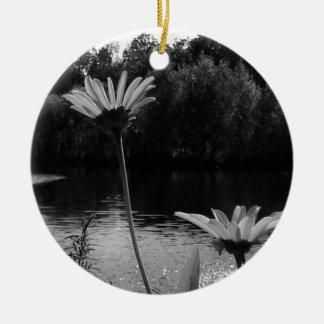 Daisy Delights Round Ceramic Ornament