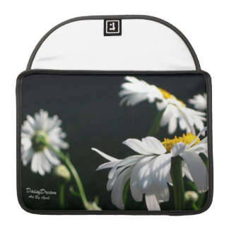 Daisy Dream MacBook Sleeve