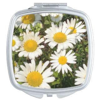 Daisy flower compact mirror