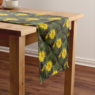 Daisy flower cu yellow short table runner